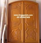 Pintu Kupu Tarung Lengkung Jati