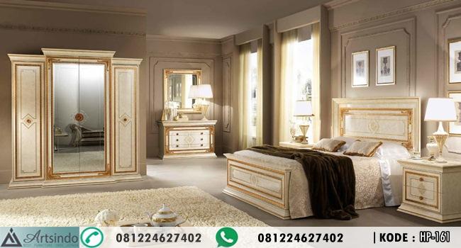 Set Tempat Tidur Klasik Mewah Queen