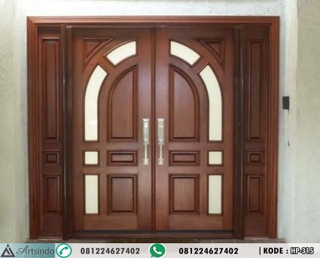 Pintu Utama Berkaca Jendela Sambung