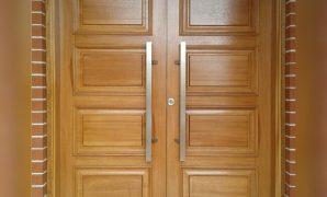 Pintu Kupu Tarung Minimalis Model Panil Kotak